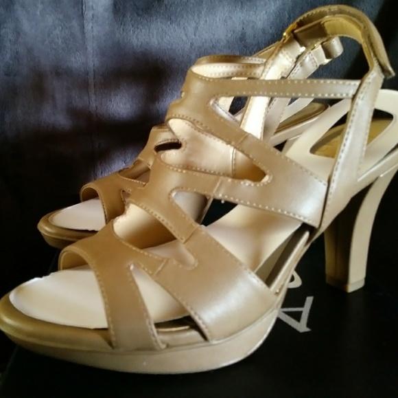 Naturalizer Womens Dianna Dress Sandals